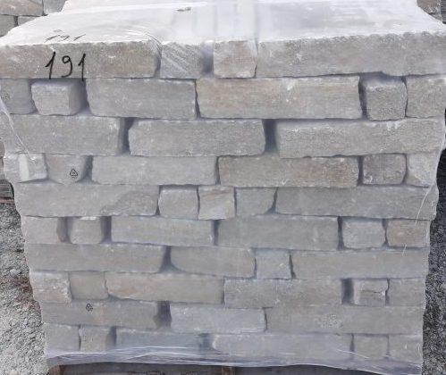 Liste rivestimento da muro in pietra di Luserna colori misti