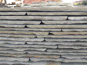 Coste laterali martellinate pietra di Luserna