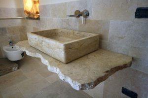 Lavandino top bagno in vera pietra naturale lavorato a macchina