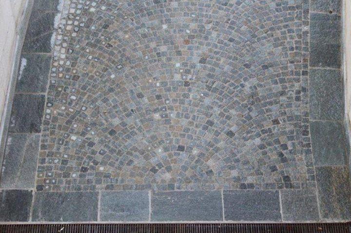 Pavimento In Pietra Di Luserna : Pavimento cubetti in pietra di luserna pelganta giorgio