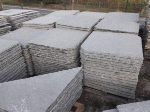 Piode per tetti in pietra di Luserna 80 x 80 son angolari tetto