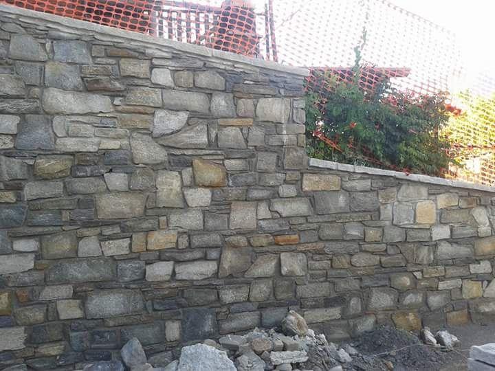 Colori Per Rivestimenti Esterni : Pietre per realizzare muri a secco a vista di luserna