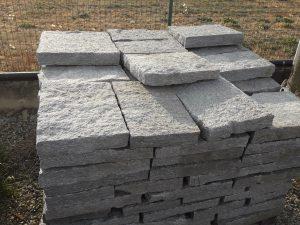 Prezzi pavimento spessi carrabili in pietra di Luserna formato 30 x correre.